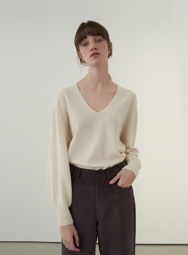 Volume sleeved knit top (ivory)