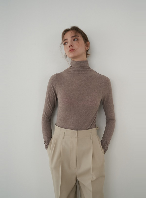 Turtleneck jersey (sepia)