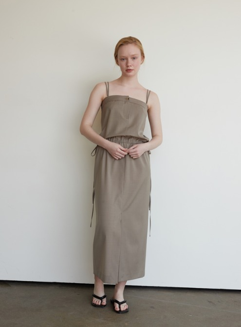 Sleeveless midi dress (khaki)