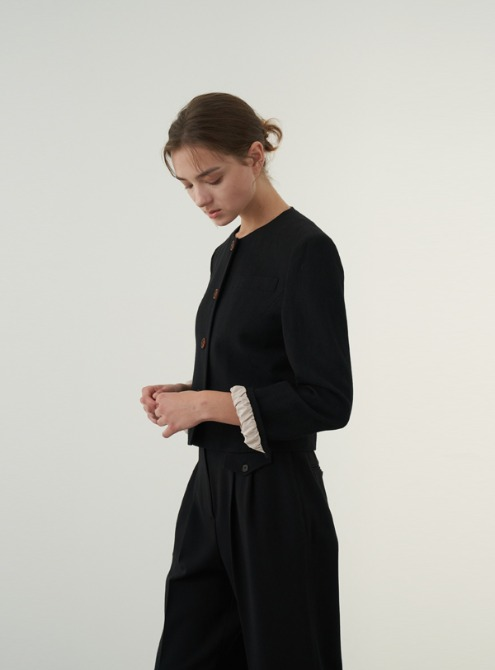 Round neck jacket (black)